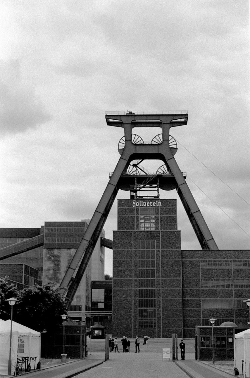 zeche_zollverein_2015_bw_001